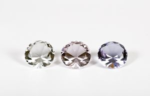 898969_three_diamonds